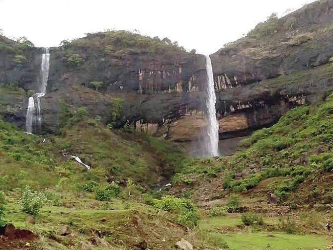 Pandavkada Falls Navi Mumbai Cops cordon off entry point to Pandavkada waterfalls News