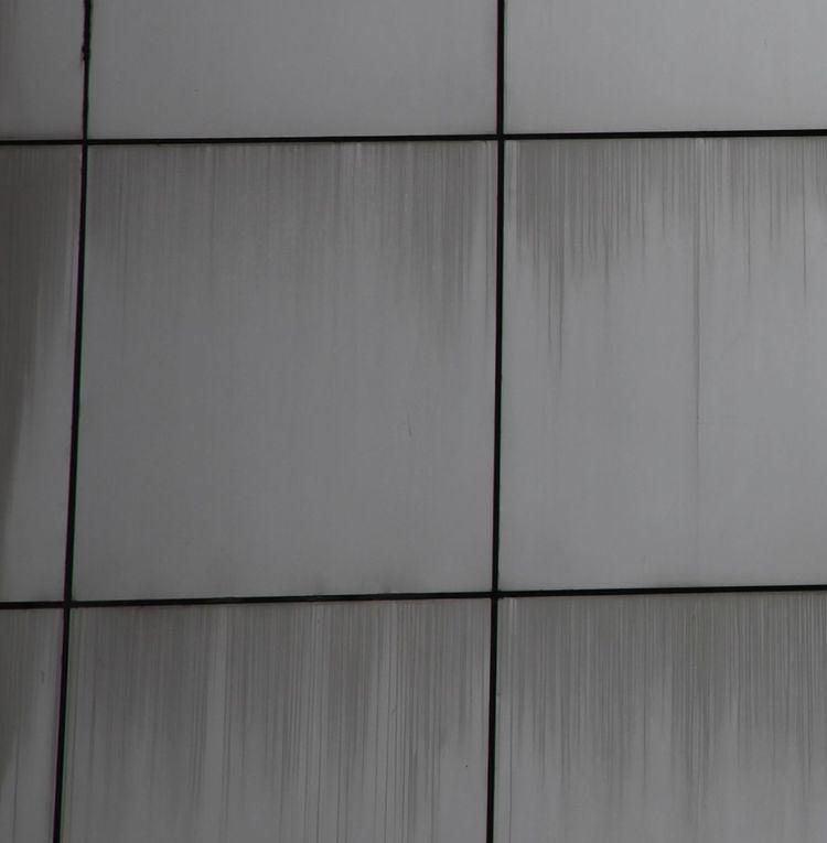 Panel edge staining