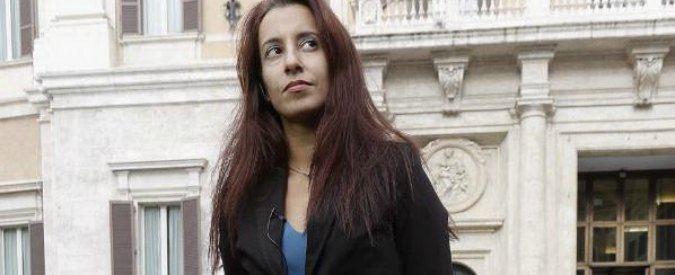 Paola Pinna Ex M5s Paola Pinna passa da Scelta civica al Pd Partito dal volto