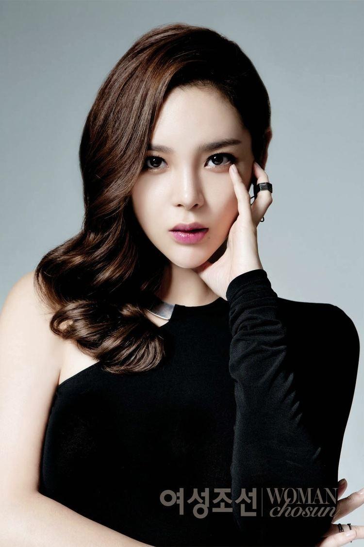 Park Si-yeon Park Si Yeon is an Elegant Enchantress for Woman Chosun