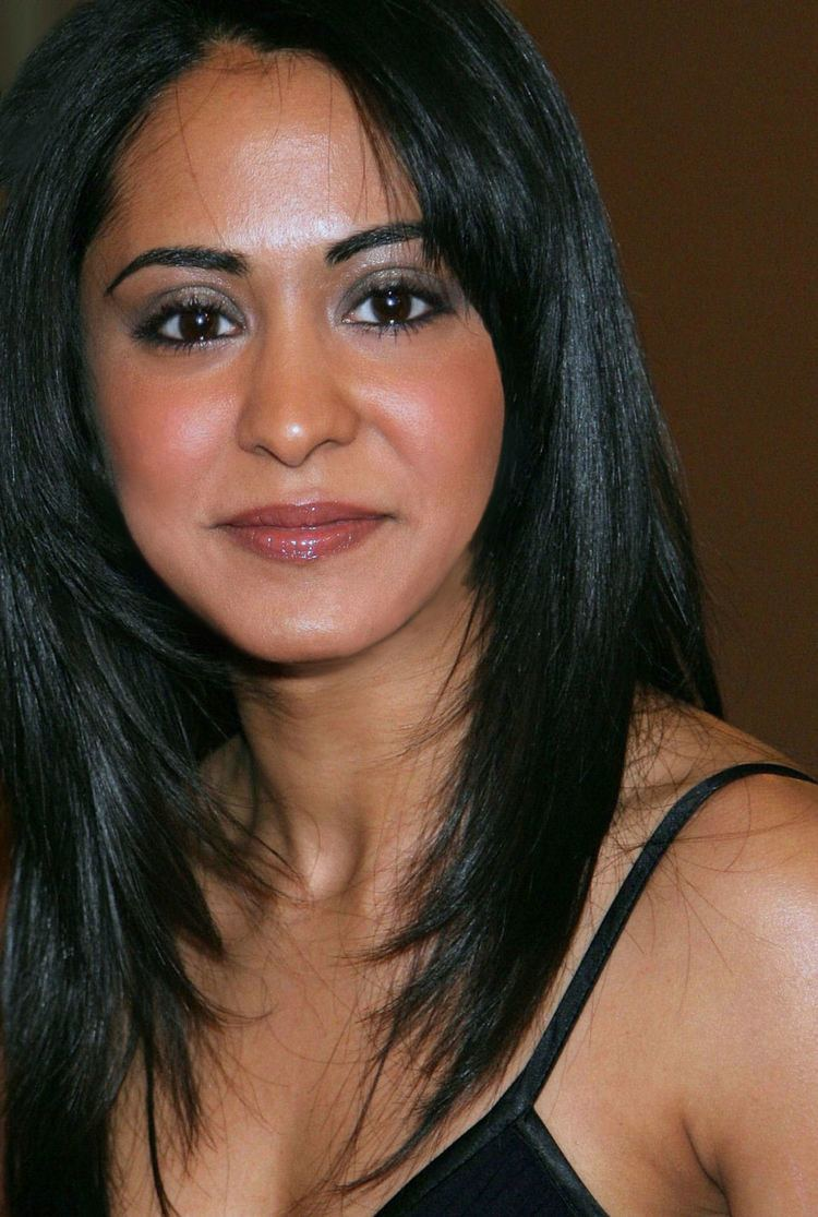 actress parminder nagra won a huge legal battle with her - HD1292×1920