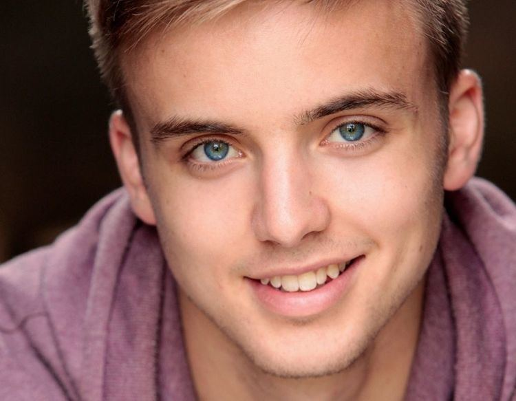 Who is Hollyoaks Parry Glasspool and where have you seen