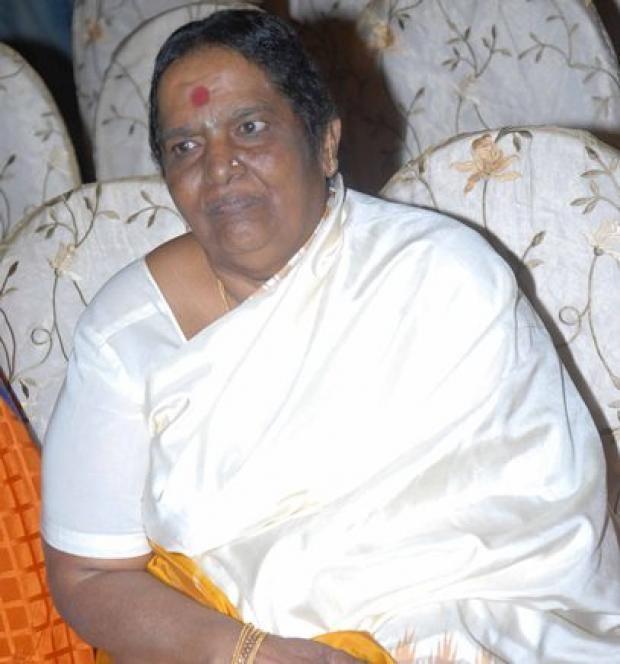 Parvathamma Rajkumar Parvathamma Ambarish felicitated at centenary