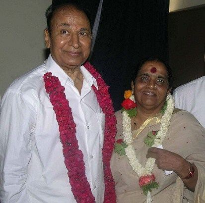 Parvathamma Rajkumar Puneeth rajkumar family childhood photos Celebrity