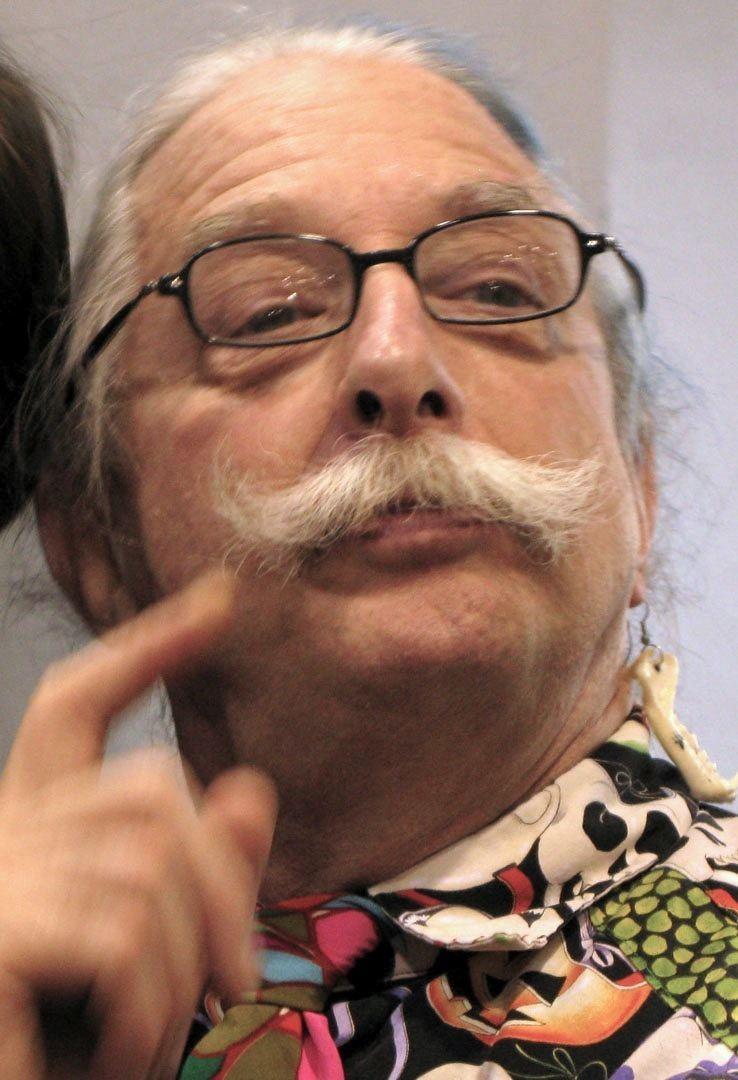 Patch Adams httpsuploadwikimediaorgwikipediacommonsdd