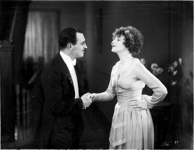 Paths to Paradise Raymond Griffith and Betty Compson in PATHS TO PARADISE 1926