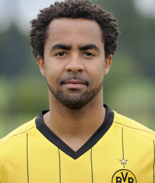 Patrick Owomoyela Patrick Owomoyela Accepts He Has No Future With Borussia