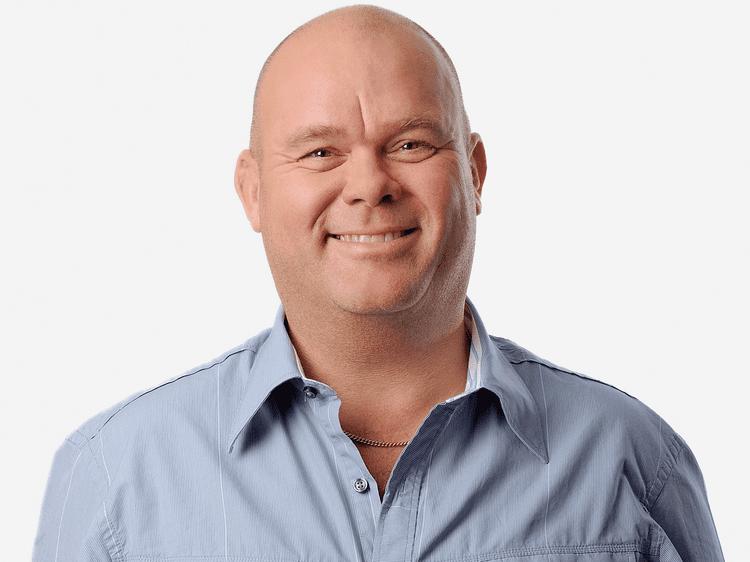 Paul de Leeuw Paul de Leeuw blijft bij RTL 4 op de buis met eigen