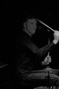 Paul Hanley (musician) httpsuploadwikimediaorgwikipediacommonsthu