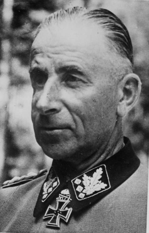 Paul Hausser SS Oberst Gruppenfuhrer Paul Hausser commanded 2nd SS Das
