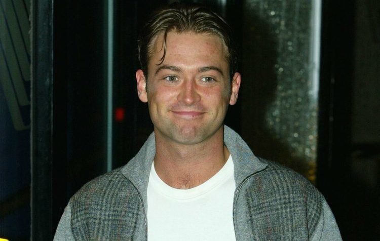 Paul Nicholls (actor) Actor Paul Nicholls rescued after three days trapped at bottom of
