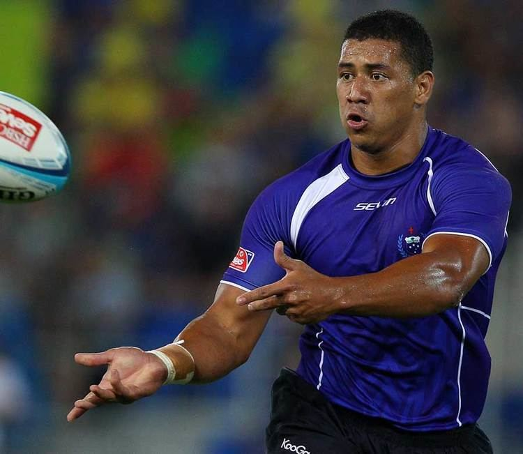 Paul Perez Samoa39s Paul Perez wings the ball on Rugby Union Photo