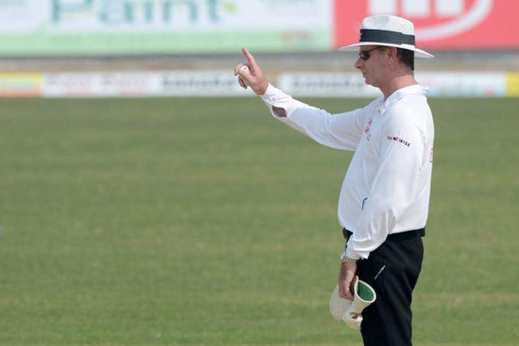 India vs England Mumbai Test Umpire Paul Reiffel Retires Hurt