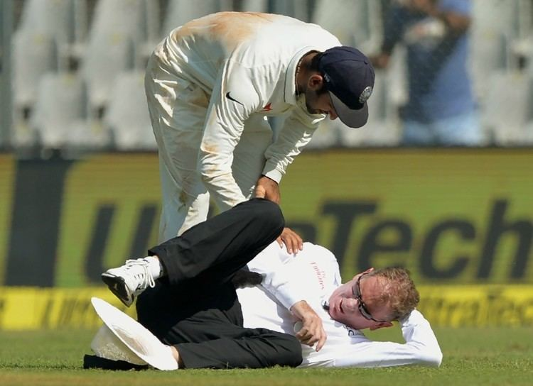 Umpire Paul Reiffel to miss rest of Mumbai Test after blow to head