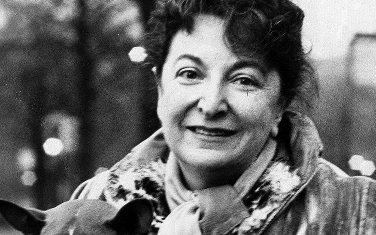 Pauline Kael From the Archive New Yorker Film Critic Pauline Kael WTTW