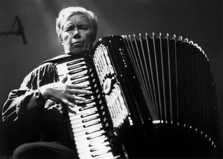 Pauline Oliveros Falling and laughing a conversation with Pauline Oliveros