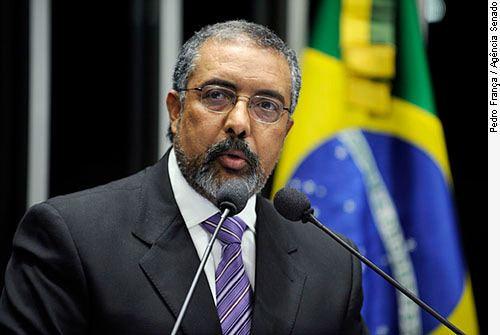 Paulo Paim Audincia Pblica sobre terceirizao na AL ter a
