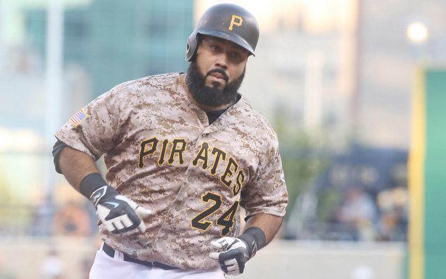 Pedro Álvarez (baseball) Pirates nontender Pedro Alvarez after failing to work out a trade