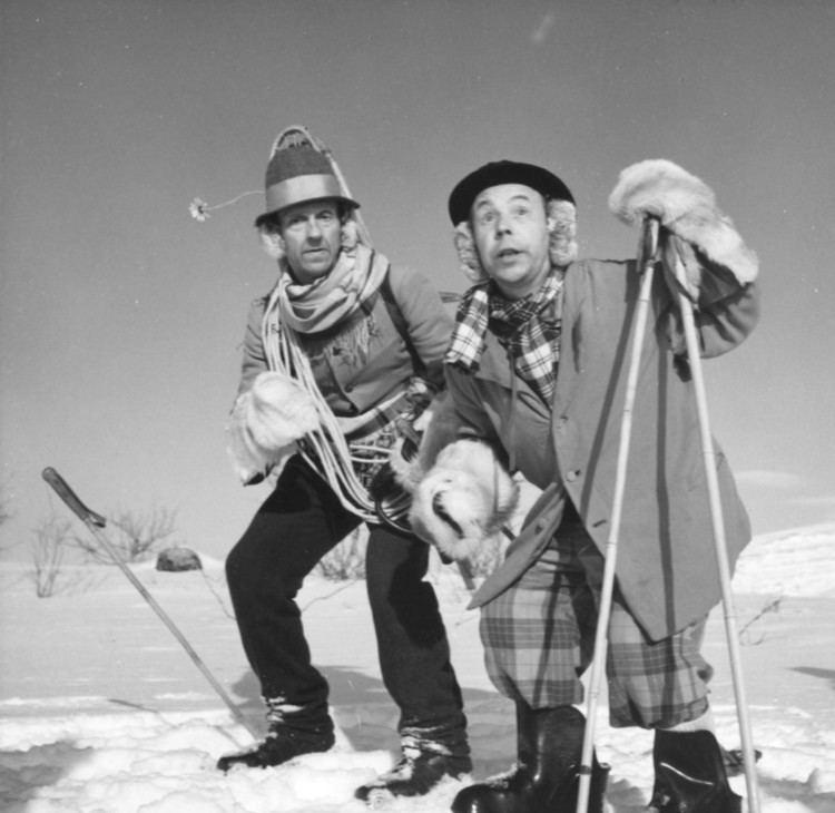 Pekka and Pätkä Pekka ja Ptk lumimiehen jljill 1954 Elokuvauutisetfi