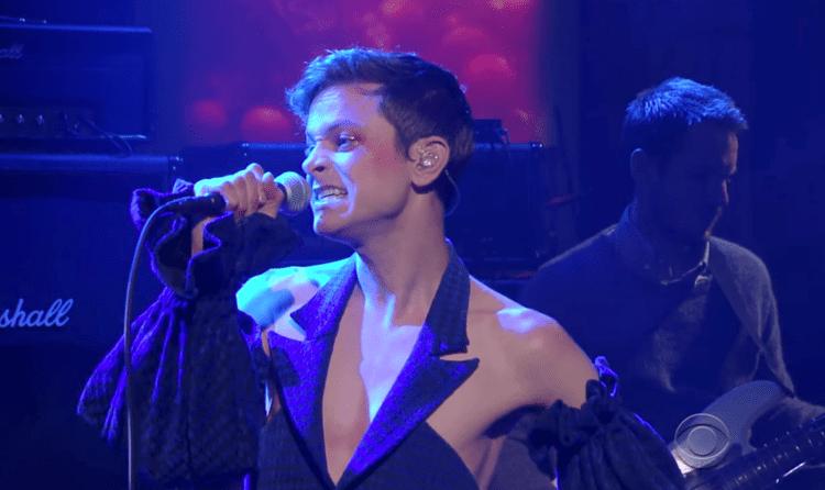 Perfume Genius Watch Perfume Genius Perform Slip Away On Colbert Stereogum