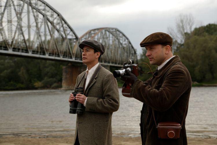 Persona Non Grata (2015 film) Cellin Gluck Director Of Persona Non Grata Talks About War Hero