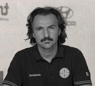 Petar Segrt httpsuploadwikimediaorgwikipediacommonsthu