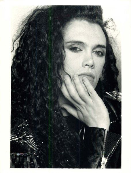 Pete Burns Pete Burns with supposedly no makeup on Alluring Pete