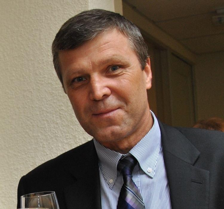 Peter Šťastný httpsuploadwikimediaorgwikipediacommons77