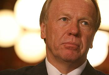 Peter Beattie Peter Beattie quits politics 39well and truly over it39
