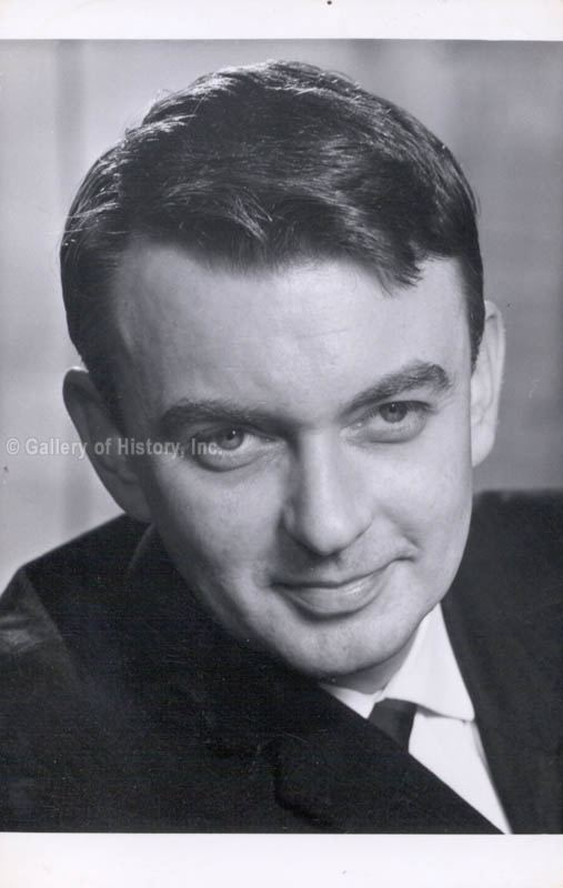 Peter Byrne (actor) Peter Byrne Photograph Signed 1968 Autographs Manuscripts