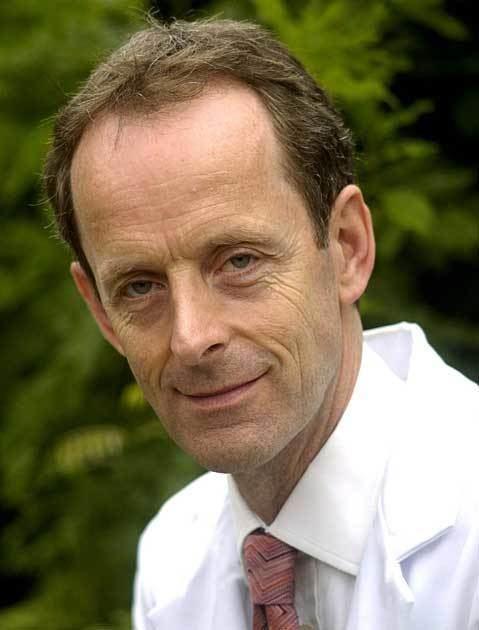 Peter Friend (surgeon) wwwgtcoxacukimagesstoriesFellowsfriendpete