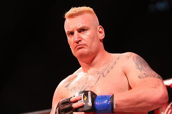 Peter Graham (fighter) 20131020122228827Q1977JPG