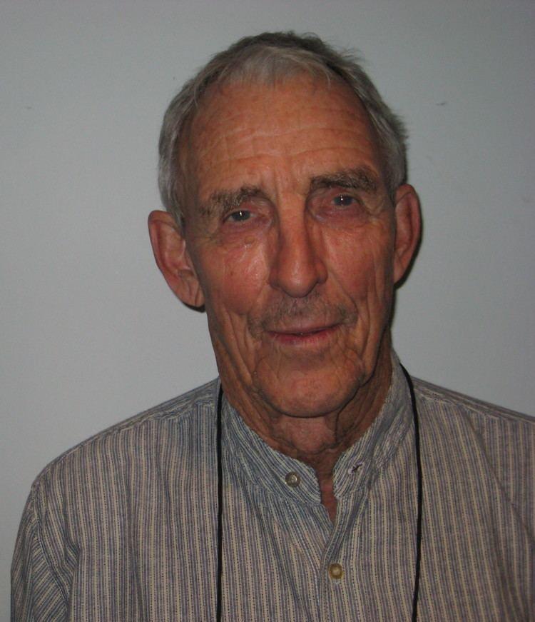Peter Matthiessen httpsuploadwikimediaorgwikipediacommonsaa