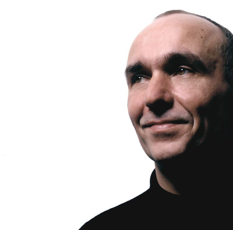 Peter Molyneux Failed Revolutions A Peter Molyneux Profile Cardinal