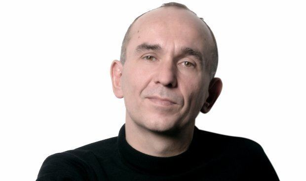 Peter Molyneux Peter Molyneux advises Lionhead to 39keep the dog39 in Fable