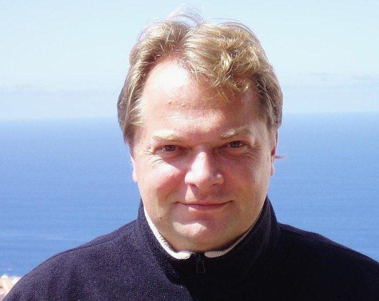 Peter Quilter httpsuploadwikimediaorgwikipediaenthumb8