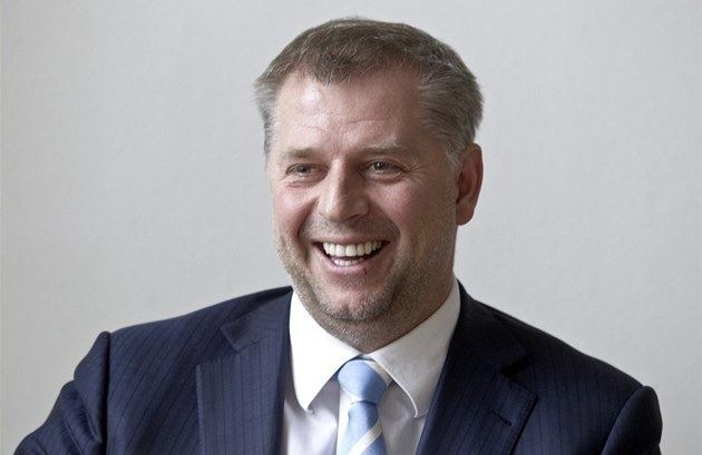 Petr Bendl Bendl Vyhnat fabriku na cigarety nee problm ochrany
