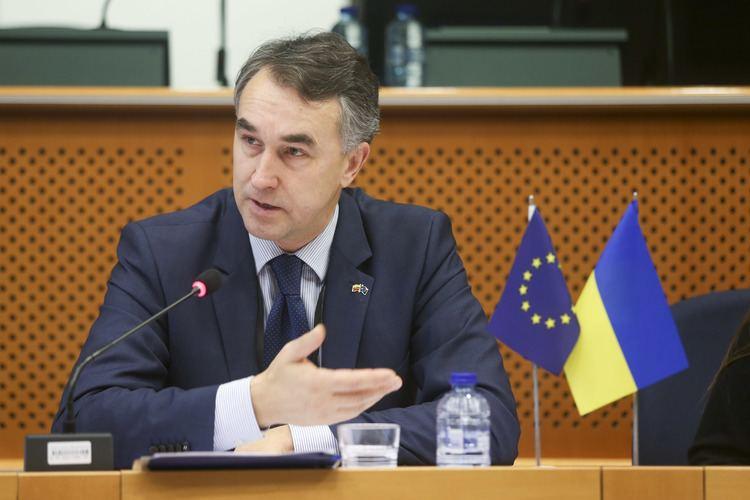 Petras Auštrevičius PETRAS AUTREVIIUS Stipri Lietuva vieningoje Europoje