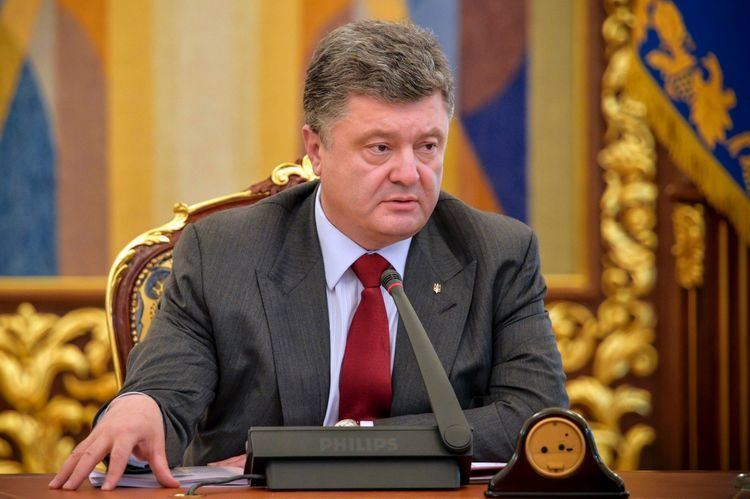 Petro Poroshenko Ready for martial law if crisis deepens Ukrainian President Free