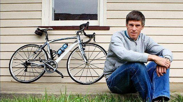 Phil Anderson (cyclist) Australian cycling legend Phil Anderson denies witnessing