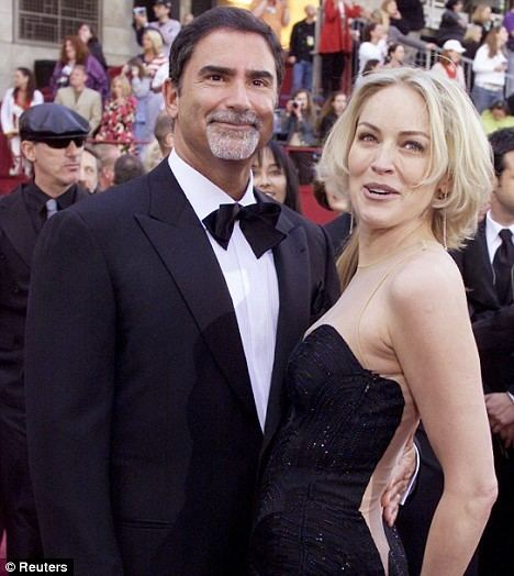 Phil Bronstein Sharon Stone loses custody of son as judge rules ex