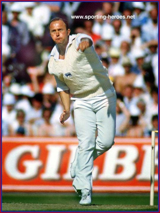 Phil Edmonds Test Profile 197587 England