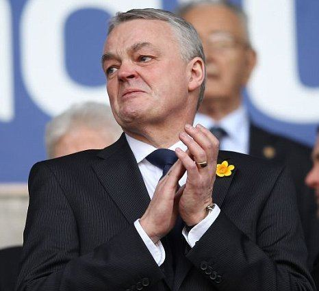 Phil Gartside Fabrice Muamba tributes in Bolton win reduce chairman Phil
