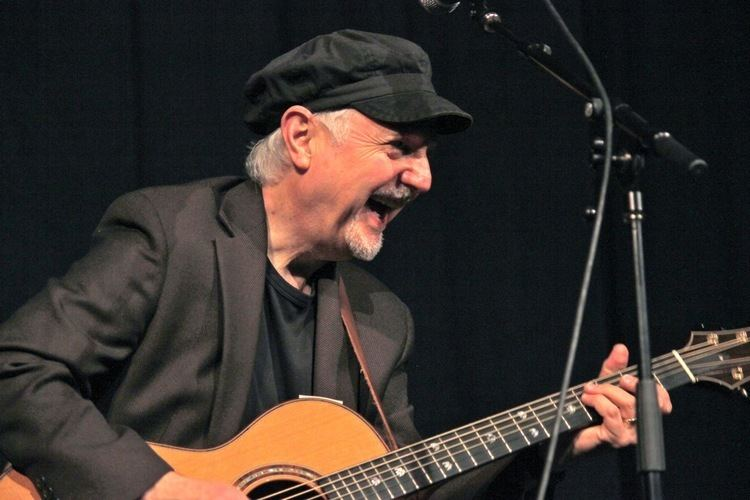 Phil Keaggy Video Phil Keaggy Plays quotI Belong to Youquot Aquinas
