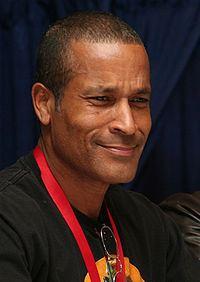 Phil Morris (actor) httpsuploadwikimediaorgwikipediacommonsthu