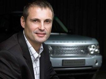 Phil Popham JLR Bids Farewell to Land Rover Stalwart LROcom UK