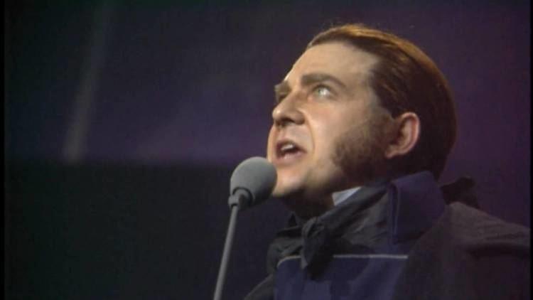 Philip Quast Stars Philip Quast Les Misrables 10th Anniversary