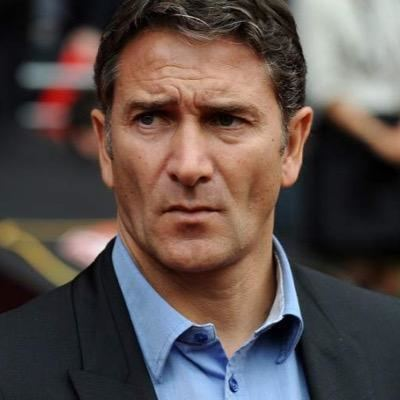 Philippe Montanier httpspbstwimgcomprofileimages5377045501245