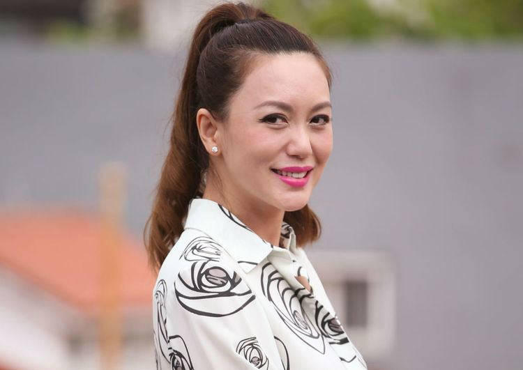 Phyllis Quek Phyllis Quek makes TV comeback in seductive fashion Entertainment
