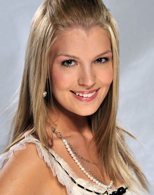 Pia Pakarinen Pia Pakarinen is crowned Miss Suomi 2011